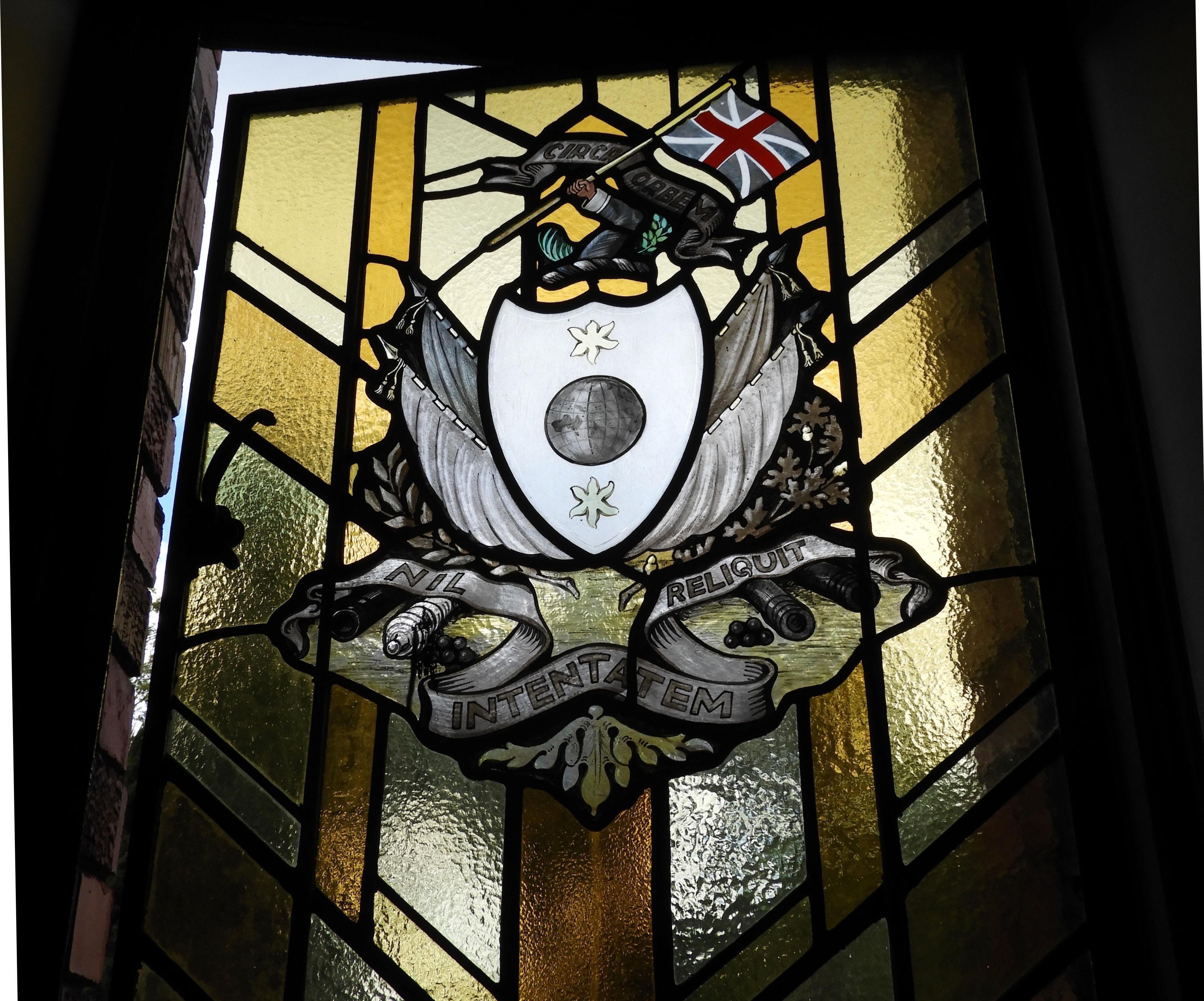 Hillside NSW 2 heraldry KW